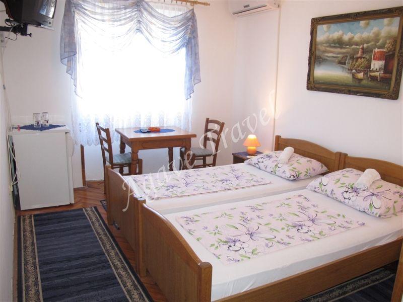 Room Zagrebacka 2